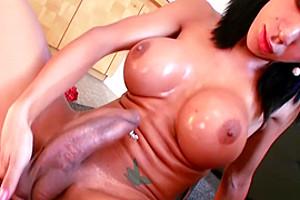 Sabrina Suzuki Shows Off whilst Masturbating