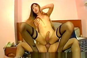 Bedroom oriental t-girl fucking