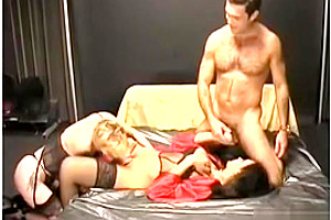 kinky blonde Feast On A shemale cock
