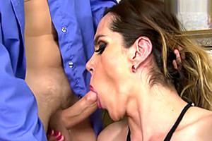 Milf Shemale Sucks And Rides Lucky Guy