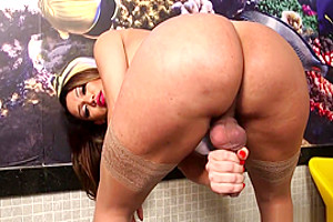 Shemale Yume Farias Solo