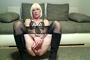 Want To Fuck And Cum Hands Free