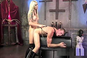 Blonde tranny deep throats big dick