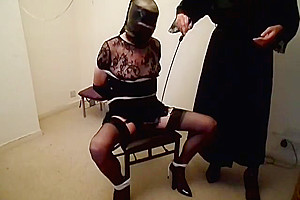 Mistress Anna punishing her tranny bitch