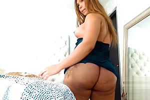Biggest ass you will ever see Colombian tgirl Cam