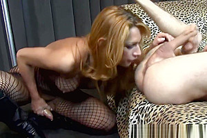 Euro tranny Sthellos dudemale bangs thellos duder Blindfolded lover By dudeica2