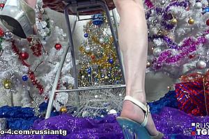 Unwrapping Elvira.... - Russian-TGirls