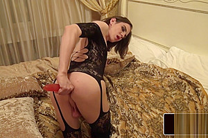 Gaping ass tranny tugs on her big cock