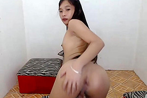Cute ladyboy show ass on cam