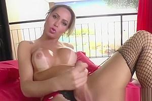 Busty Shemale Rakel Rodrigues Pleasing Herself