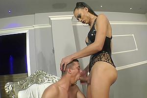Keylla Marques Breaks boy