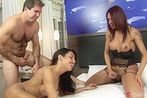 Michelly Araujo & Mylla Pereira & Paulo Marks in Bookend Brunette Tgirls Suck Each Other And Get Fucked - Tranny