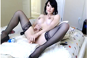 Busty Cam Gurl in Bedroom